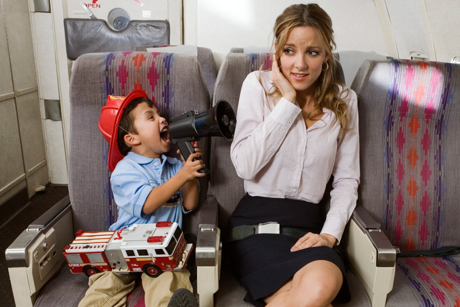 в самолете с маленьким ребенком