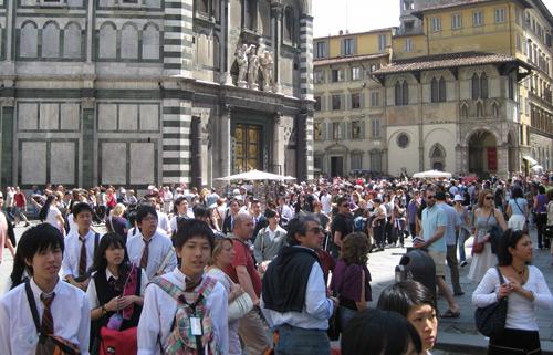 массовый туризм вредит европе