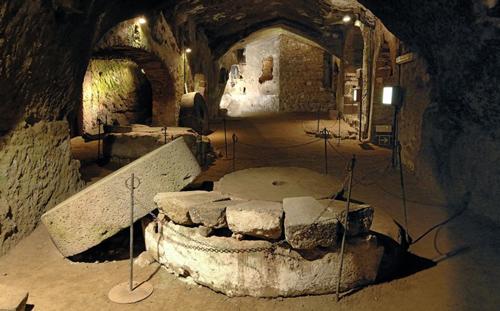 роскошные отели в подземельях италии