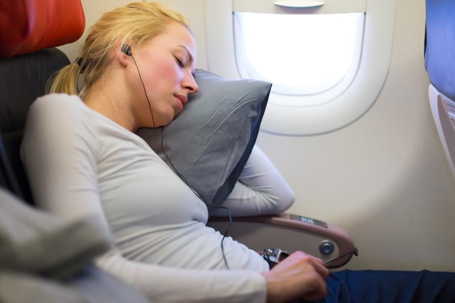 как выспаться во время полета