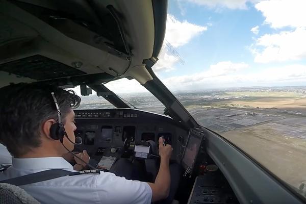 пилот боинга 737
