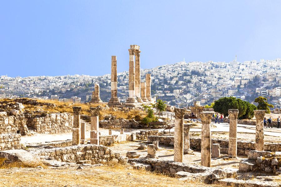 иордания на майские праздники