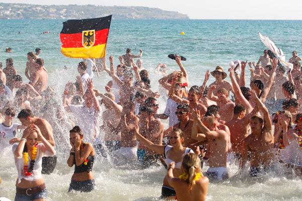 немецкие туристы на отдыхе