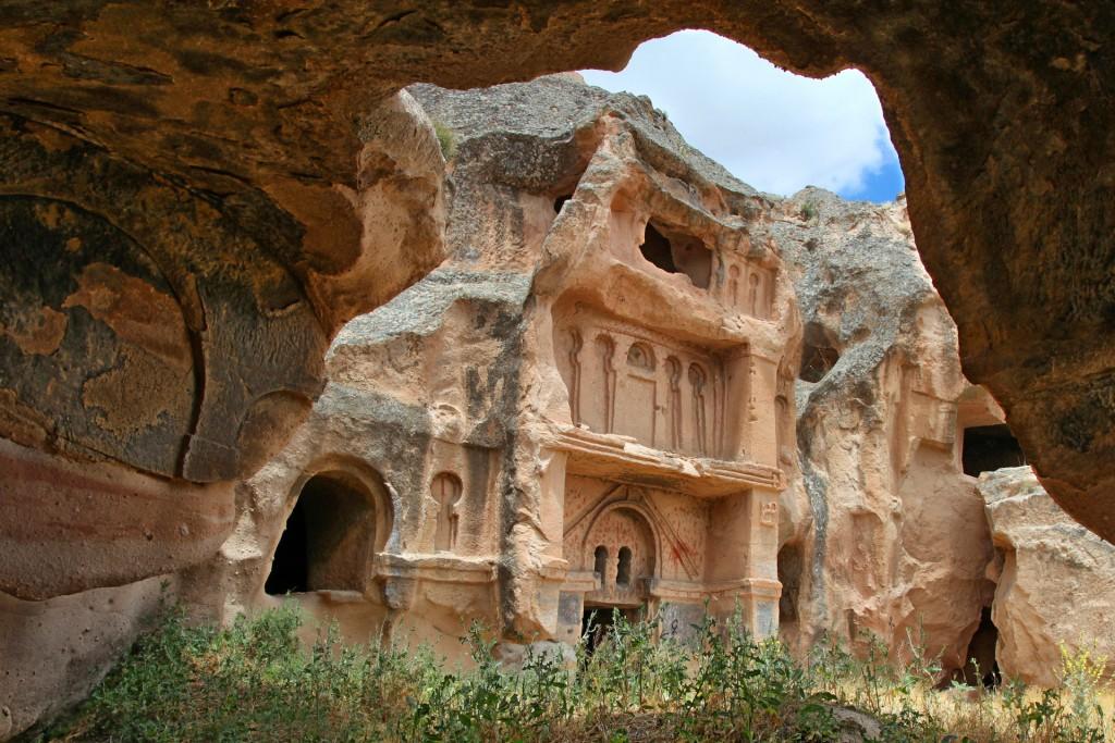 Множество древних народов оставили свой след в Каппадокии