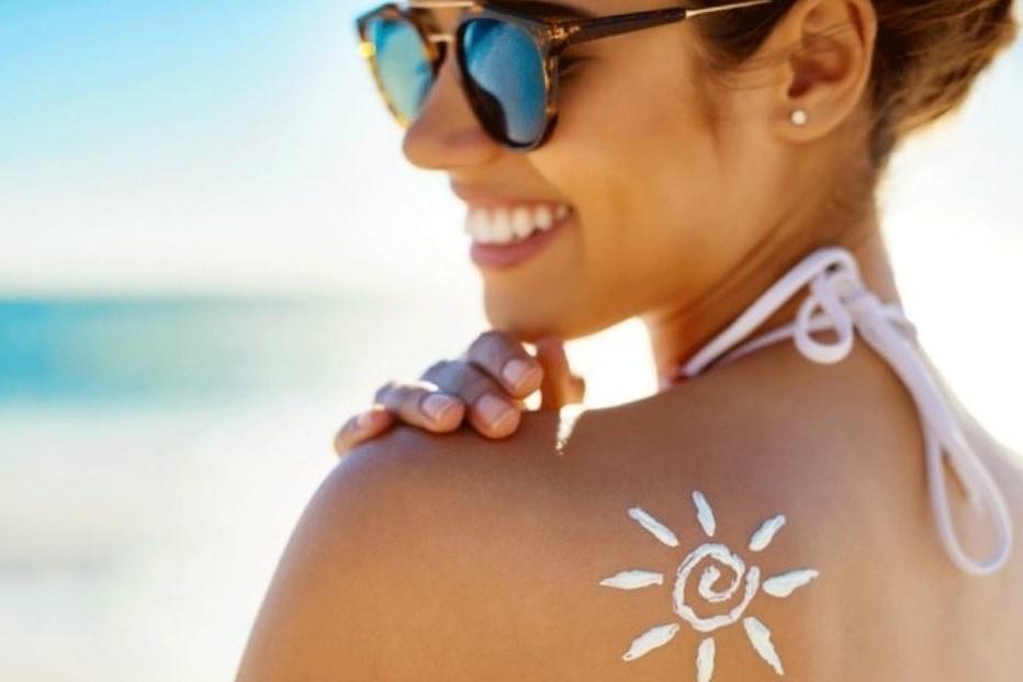 Как правильно пользоваться солнцезащитными кремами: ответ ученых