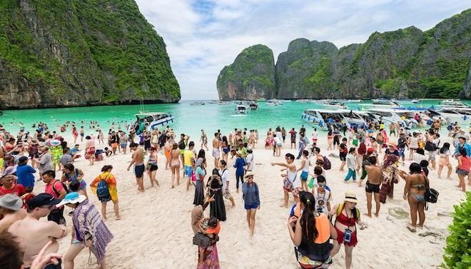 bukhtu-majya-bej-v-tailande-zakryli-dlya-turistov