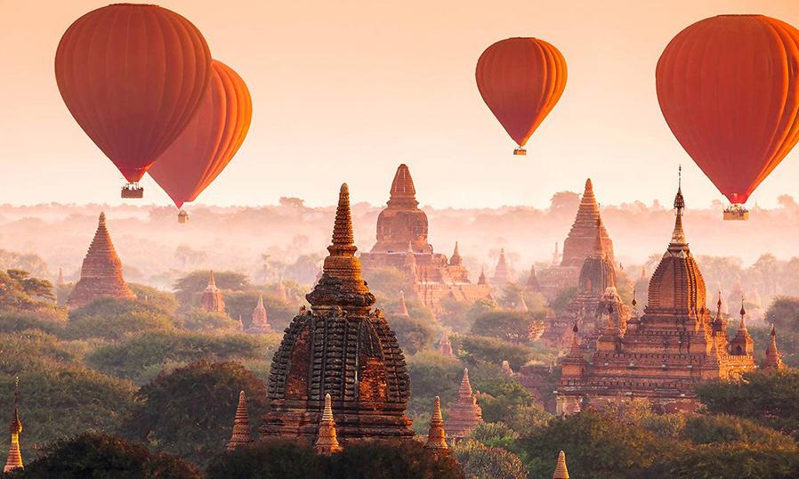 Полет на воздушном шаре в Баган в Мьянме