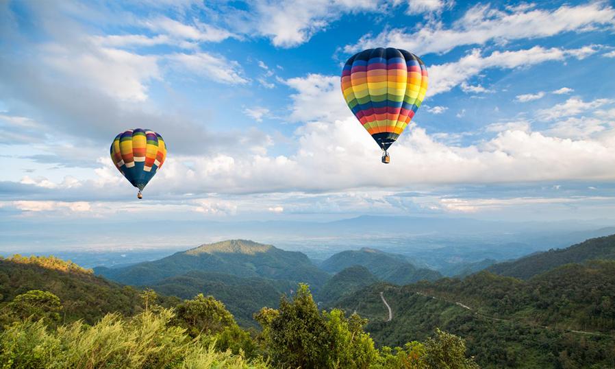 Полет на воздушном шаре в Чианг Май в Таиланде