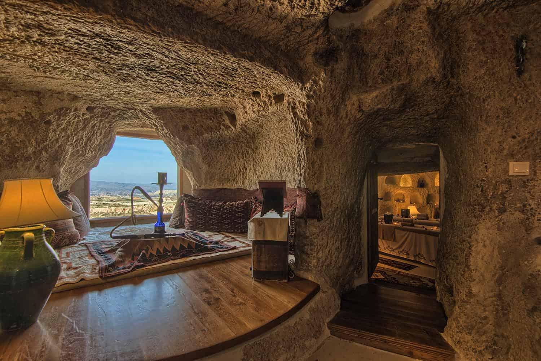 Номер в пещерном отеле Museum Hotel
