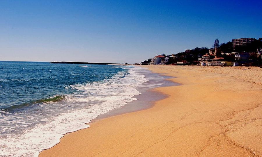 Пляж курорта Золотые пески