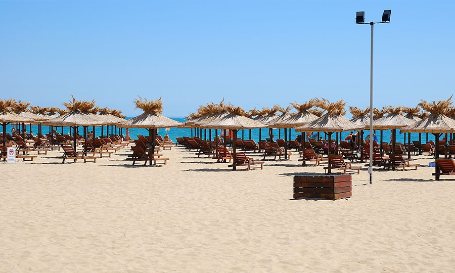 Центральный пляж, Албена