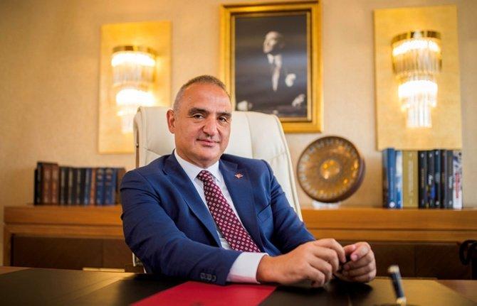 Министр туризма и культуры Турции Мехмет Нури Эрсой