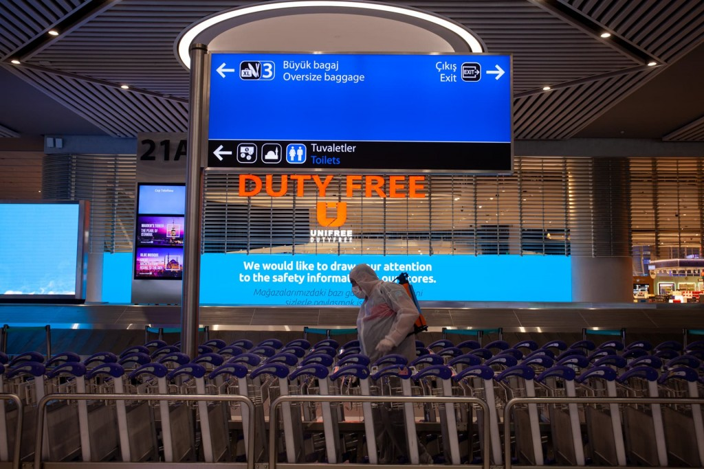 Дезинфекция в аэропорту Стамбула