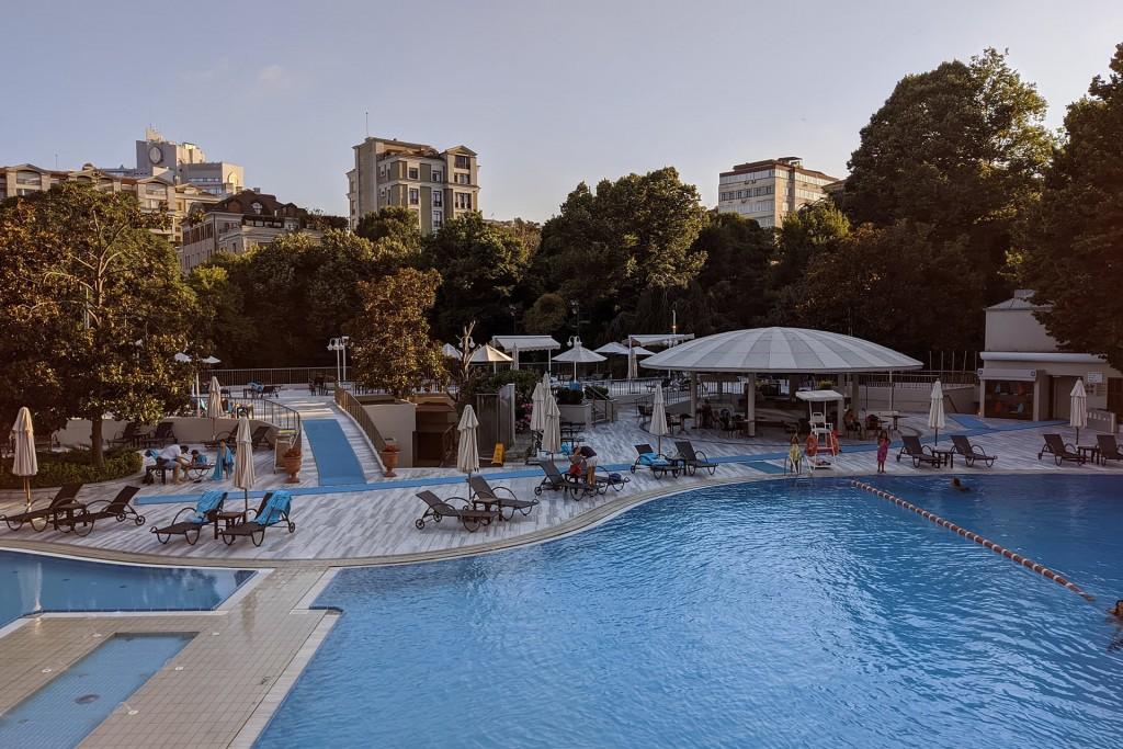 Hilton Istanbul Bosphorus Pool
