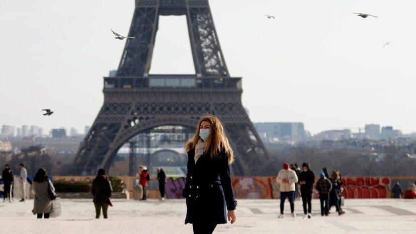 Франция вновь откроет границы для туристов с 9 июня: есть условие