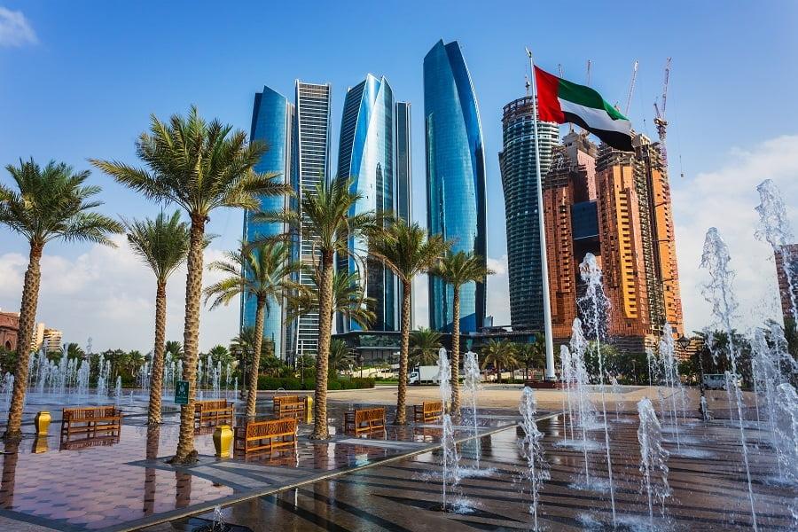 Бесплатно привиться от COVID-19 можно в Абу-Даби
