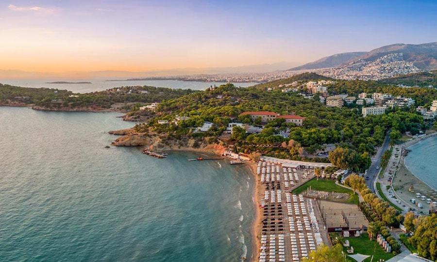 Пляж Вульягмени, Афинская ривьера