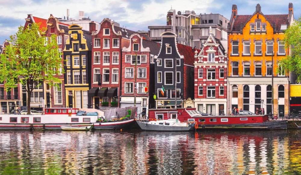 Амстердам ждет: Нидерланды открылись для украинцев