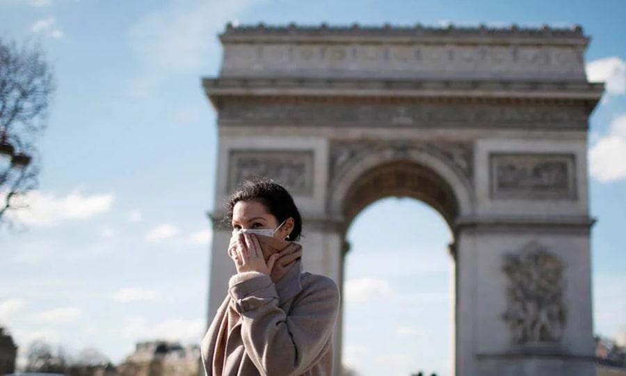 Во Францию теперь можно только вакцинированным