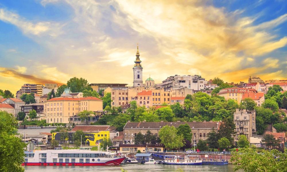 Украинцы смогут находиться в Сербии в три раза дольше